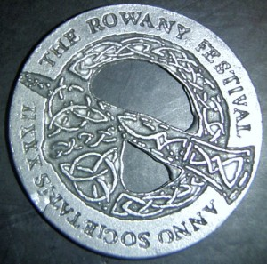 Rowany Festival event token from AS32 (1998). Photo by Baroness Medb ingen Iasachta April 2014