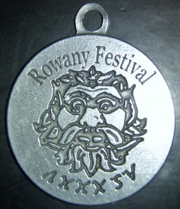 Rowany Festival event token from AS35 (2001). Photo by Baroness Medb ingen Iasachta April 2014