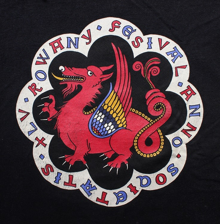 The Rowany Festival t-shirt design for AS45 depicted a dragon. Photo and design by Lady Eloise Darnell