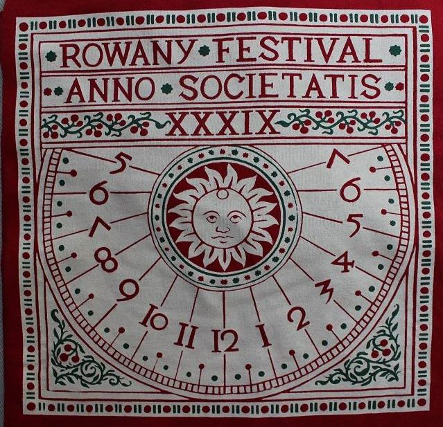 The Rowany Festival t-shirt design for AS39 depicting a sundial. Photo and design by Lady Eloise Darnell