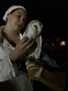Lady Elizabet Hunter with Jasper the Barn Owl at GNW XVI. Photo by TH Lady Ceara Shionnach