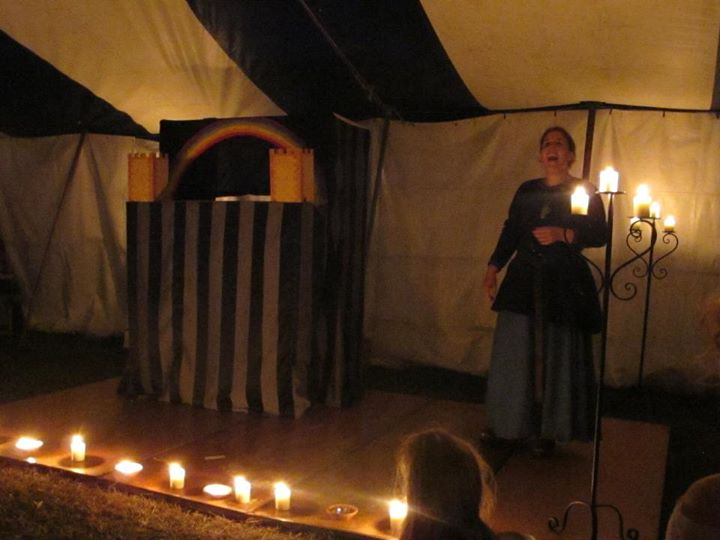 Mistress Bethan on stage at the Boars Head Theatre at Rowany Festival AS47. Photo by Lady Dragana Rozsa, April 2013