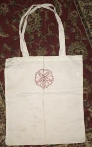 The rose-bag given to Crown Princess Liadan ingen Fheradaig II, photo by TH Lady Ceara Shionnach.