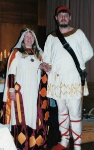 Hrölf Herjölfssen and Madelaine de Bourgogne, first Baron and Baroness of Ynys Fawr. Photo courtesy of Drusticc Inigena Eddarrnonn.