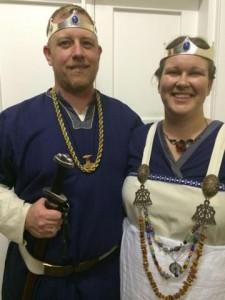 Thorolfr Brantsson and Halla Vinagjafar Hrafnsdóttir, ninth Baron and tenth Baroness of Stormhold. Photo by Countess Liadan ingen Fheradaig, 21 June 2014.