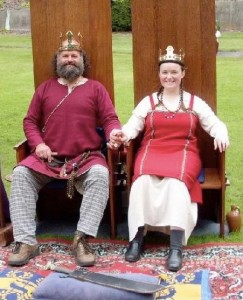 Snorri Blóðdrekkr ór Óðinslundi and Stella de Ravenscar, fourth Baron and Baroness of Ynys Fawr. Photo courtesy of Drusticc Inigena Eddarrnonn.