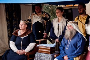 Kilic ibn Sungur ibn al-Kazganci al-Turhani and Branwen of Werchesvorde, eighth Baron and Baroness of Aneala. Photo by Garret Watkyn, 2012.