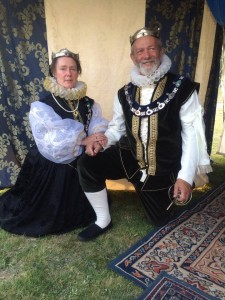 Damian Greybeard and Leonie de Grey, ninth Baron and Baroness of Aneala. Photo by Countess Liadan ingen Fheradaig, 20 September 2014.