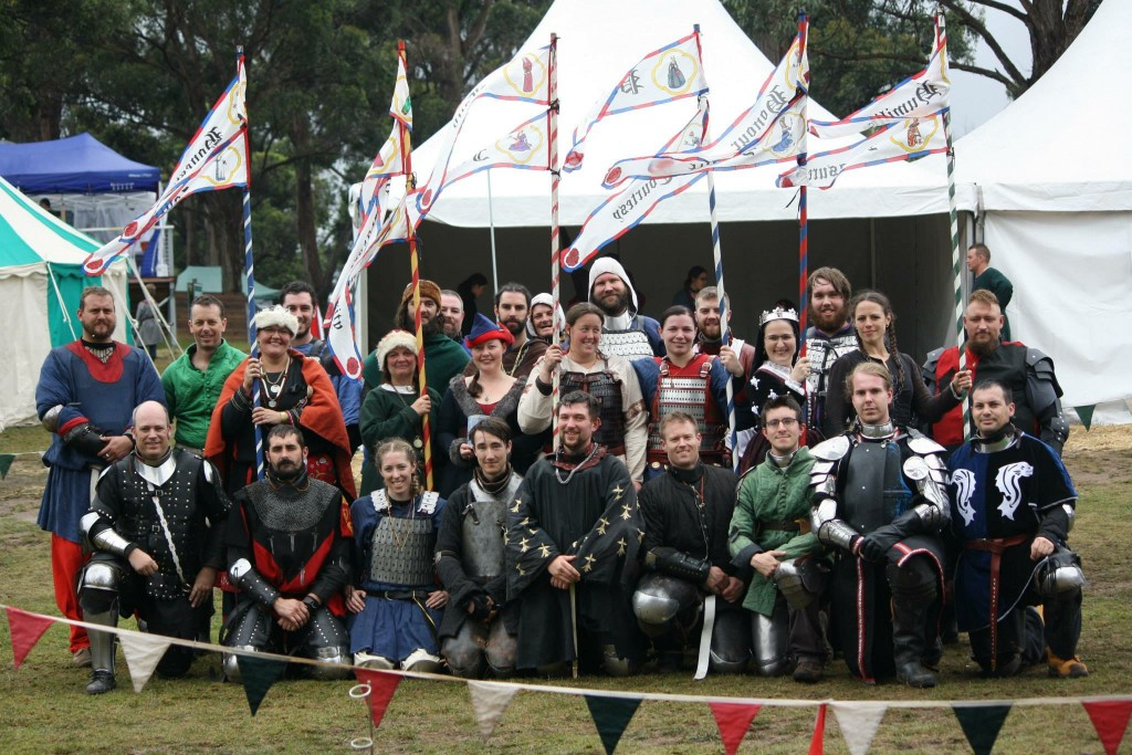 Entrants of the Roses Tournament with the Rose patrons in the centre. Photo by THL Ceara Shionnach, April 2015.