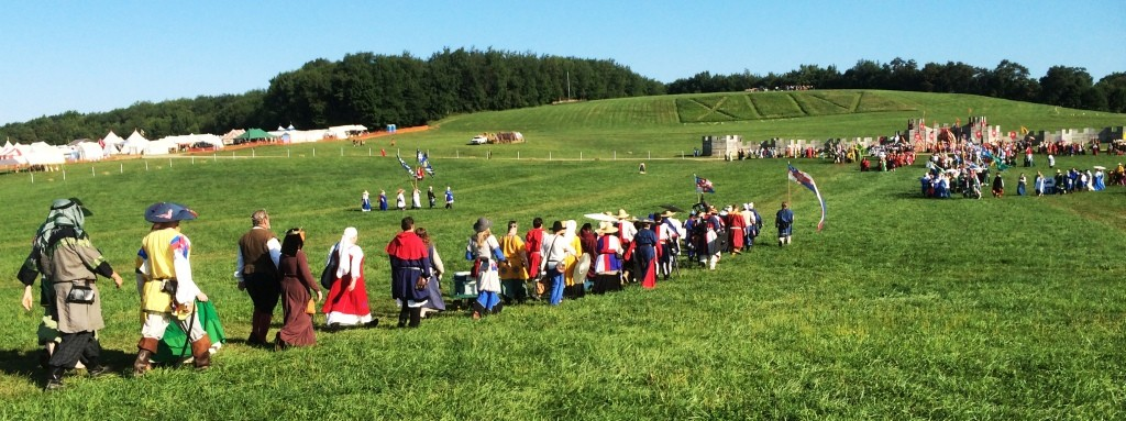 The Lochac procession into Opening Court at Pennsic War 44. Photo by THB Ceara Shionnach, August 2015.