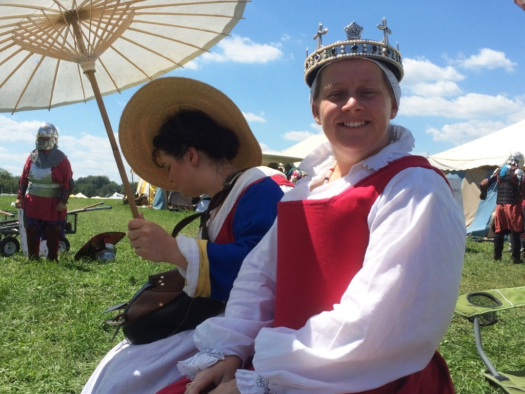 Queen Branwen at the Whack-a-Roo tourney. Photo by THB Ceara Shionnach, July 2015.