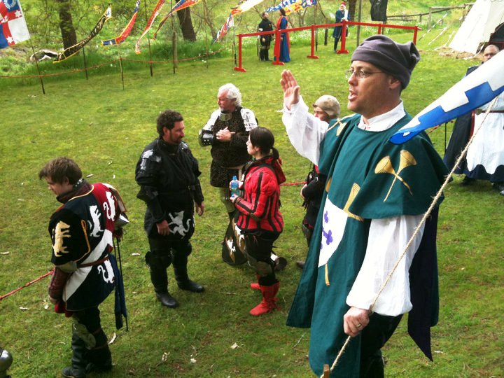 Master Giles Leabrook doing his heralding thing at La Prova Dura I. Photo by Lady Ceara Shionnach, September 2010.