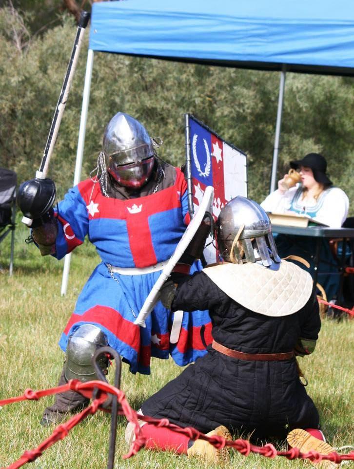 King Steffan fights La Prova Dura III. Photo by Duchess Constanzia Moralez y de Zamora, August 2015.