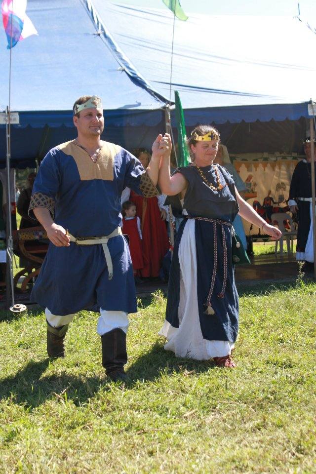 Siridean II and Margie I, 20th Crown of Lochac, at Rowany Festival 2012. Photo provided by Countess Margie of Glen More.