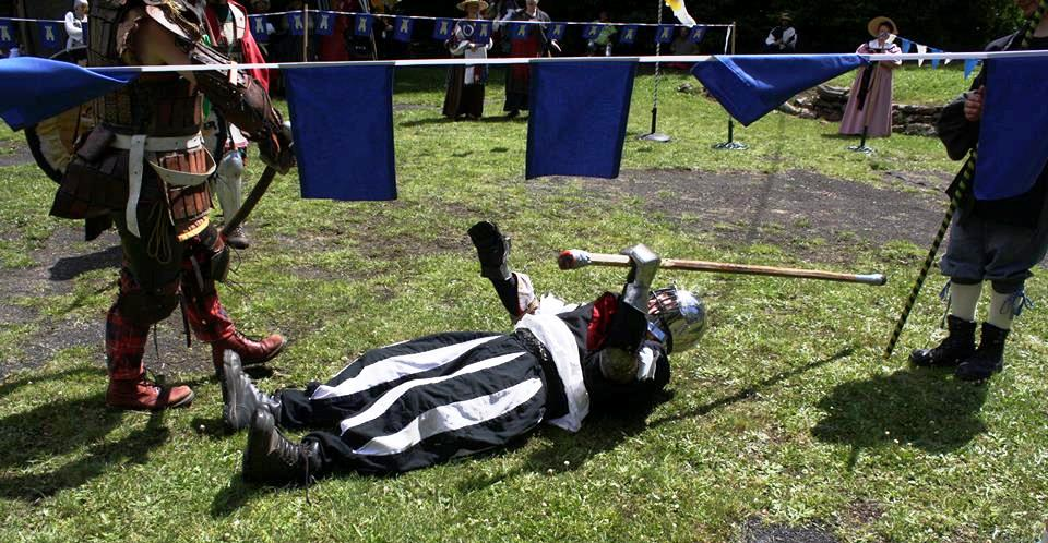Count Sir Berenger's 'Best Death' from November Crown Tournament 2015. Photo by Duchess Constanzia Moralez y de Zamora, November 2015.